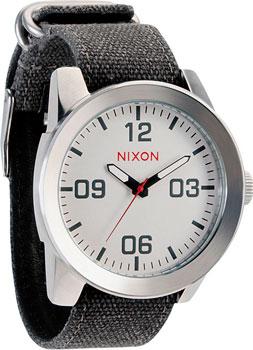 цена Nixon Часы Nixon A243-100. Коллекция Corporal онлайн в 2017 году