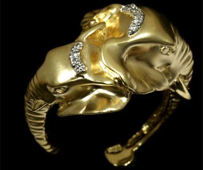 Золотое кольцо Ювелирное изделие 10020