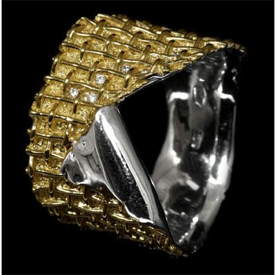 Золотое кольцо Ювелирное изделие 10060