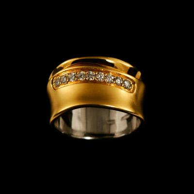 Золотое кольцо Ювелирное изделие 10300