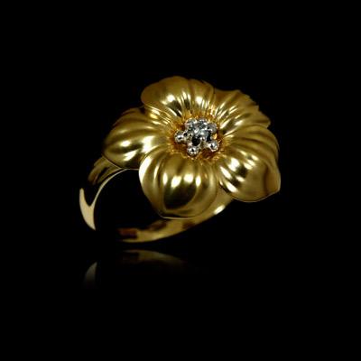 Золотое кольцо Ювелирное изделие 10580
