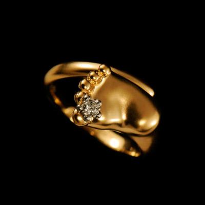 Золотое кольцо Ювелирное изделие 10780