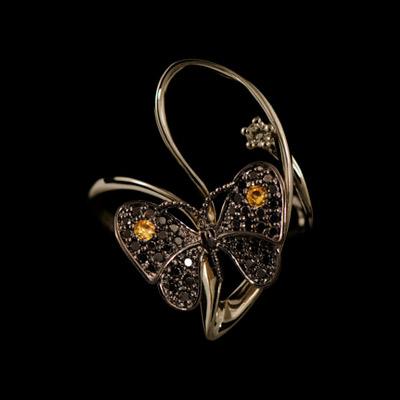 Золотое кольцо Ювелирное изделие 11800