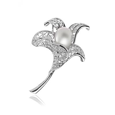 Серебряная  брошь Ювелирное изделие NP2209 брошь серебряная 138077