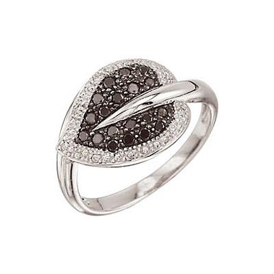 Купить Золотое кольцо 25206, Кольцо с черным и белым бриллиантами. Золото 585 пробы. Вставка: 9 бриллиантов, огранка круг 17 граней, вес 0.05 карат, цвет 2, чистота 3 19 чер. бриллиантов, огранка круг 57 граней, вес 0.3 карат., Ювелирное изделие
