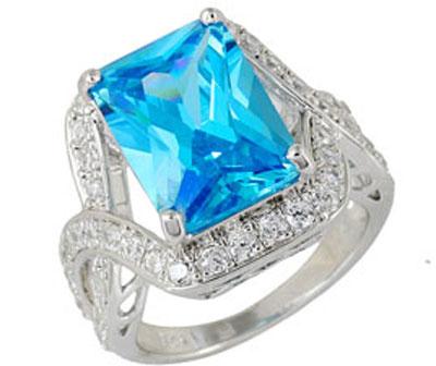 Серебряное кольцо  Ювелирное изделие 68425