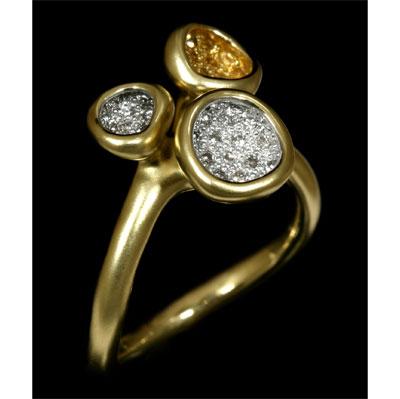 Золотое кольцо  Ювелирное изделие 10190