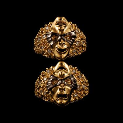 Золотое кольцо  Ювелирное изделие 11660