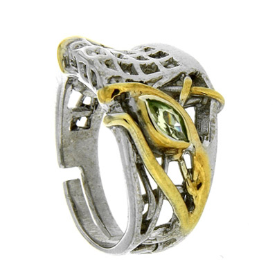 Купить Серебряное кольцо 1081h, Кольцо Beavers, Серебро с родиевым покрытием. Примерный вес изделия - 6, 8 гр. Вставка: Хризолит., Ювелирное изделие