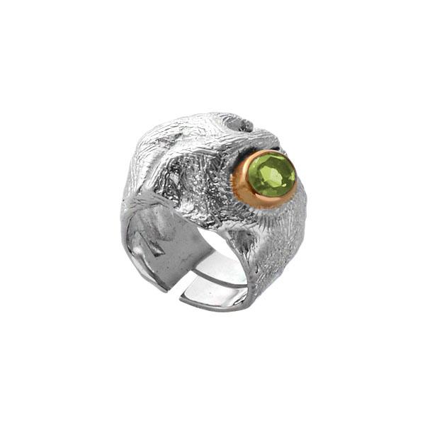 Купить Серебряное кольцо 1104h, Кольцо Beavers из серебра 925 пр. Покрытие: Родий. Вставка: Хризолит. Вес: 13, 07 гр.., Ювелирное изделие