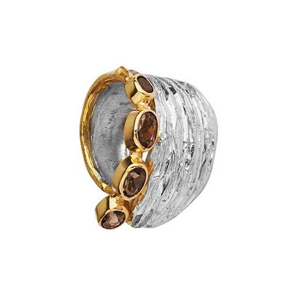 Купить Серебряное кольцо 1167g, Кольцо Beavers из серебра 925 пр. Покрытие: Родий. Вставка: Гранат. Вес: 10, 6 гр.., Ювелирное изделие
