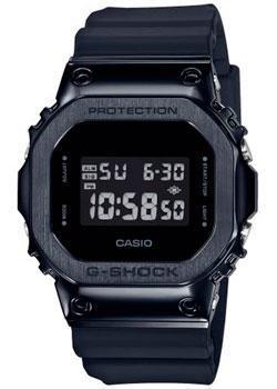 Японские наручные мужские часы Casio GM-5600B-1ER. Коллекция G-Shock фото