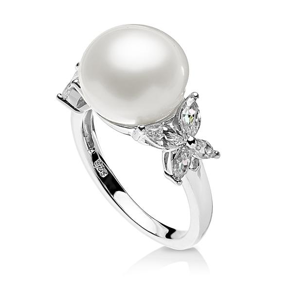 Купить Серебряное кольцо NP2211, Серебряное кольцо Каприз с белым жемчугом. Роскошное серебряное кольцо Каприз с крупной белой жемчужиной создано для истинных поклонниц жемчуга! В комплекте с серьгами и колье аналогичного дизайна станет чудесным подарком, который завершит образ шикарной женщины, отдающей предпочтение только самым лучшим вещам. Вид жемчуга: пресноводный. Диаметр жемчуга 11, 5-12 мм. Материал: серебро 925. ., Ювелирное изделие